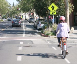 bicycle proper positioning at intersection